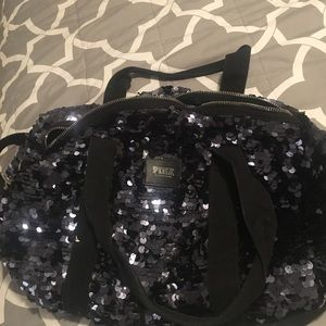 Sequin black duffle back Pink